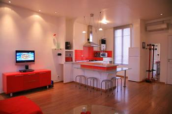 Une cuisine claire et colorée !